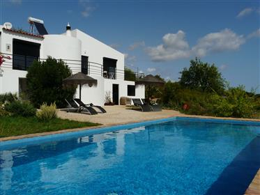 3 Bedroom Villa with Pool – Completely Refurbished!
