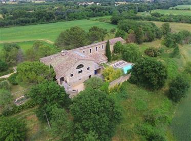 Propriété de 650 m² aux portes des Cévennes, avec parc de 1ha46 et piscine