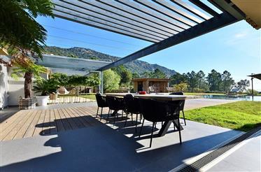 Exklusiv egendom: 338 m²