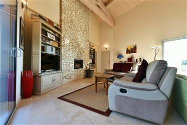 Exklusiv egendom: 240 m²