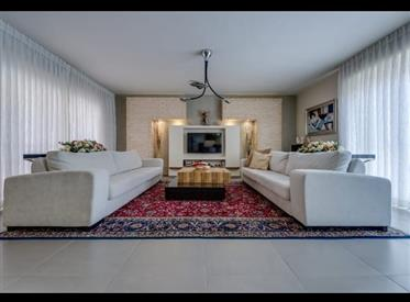 *** 5,5 room penthouse apartment for sale in Netanya ***