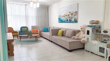 למכירה בראשון לציון - דירת 4 חדרים ברחוב אברבנאל 4
