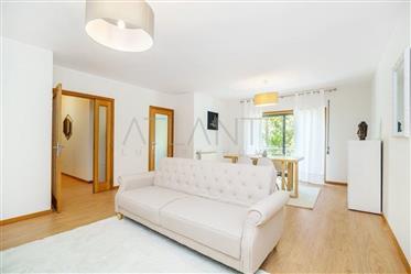 Porto (Gaia) – Miramar (Arcozelo) - Apartamento T3 Duplex.