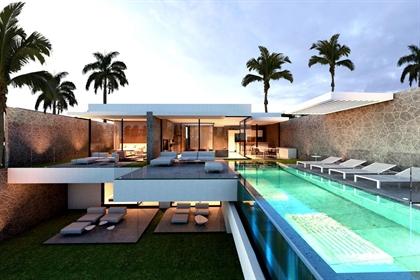 Este casa / chalet diáfano de alto standing se encuentra en Siam Garden, 38670, Adeje, , e
