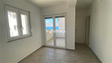 First row to the sea, great apartment! Ražanac