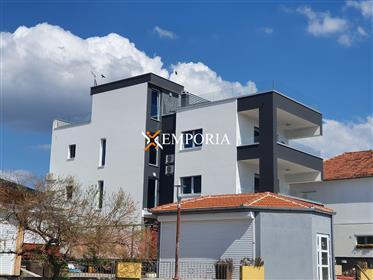 Vrhunski Penthouse Apartman Prvi Red Do Mora  U Sukošanu – Novogradnja