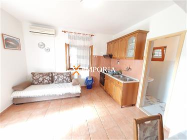 Odličan apartman s pogledom na more u mjestu Preko na otoku Ugljan