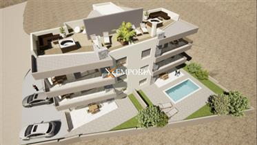 Prekrasan apartman s bazenom u prvom redu do mora u Vinjercu