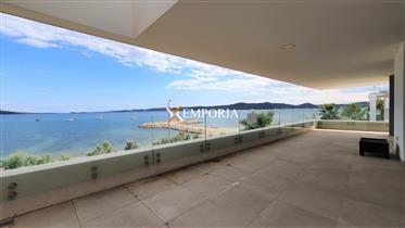 Luksuzan apartman s prekrasnim pogledom na more u Sukošanu p...