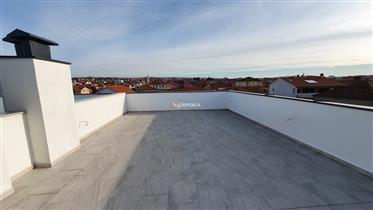 Odličan stan u novogradnji s krovnom terasom na Stanovima, Zadar