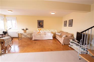 Penthouse-Wohnung in exzellenter Lage in Zadar, Višnjik