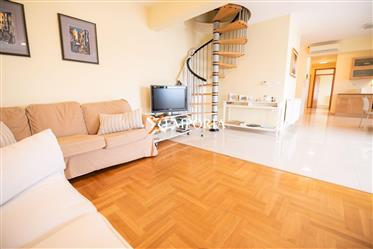 Appartement penthouse dans un excellent emplacement à Zadar, Višnjik