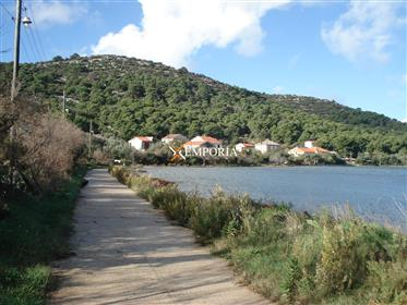 Prodaje se kuća za odmor u prvom redu do mora, na mirnom i prelijepom otoku Vrgadi