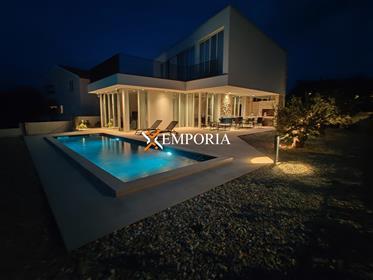Maison Luxueuse Au Premier Rang De La Mer!