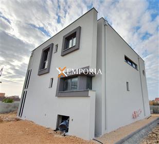 Belle nouvelle maison moderne avec piscine, Privlaka, 206,17...