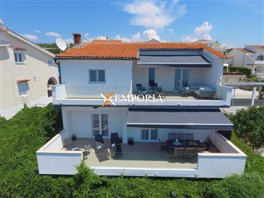 Maison rénovée à Sveti Petar na Moru, à 115 m de la mer