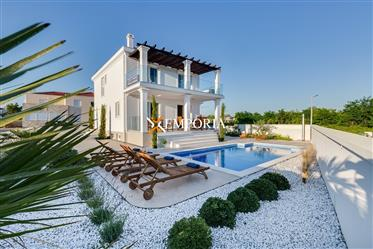 Luxury house with pool and sea view in Privlaka