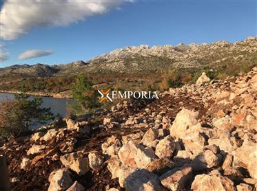 Zemljište direktno uz more sa spektakularnim pogledom na more, Starigrad