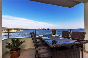 Apartment in top location - first row to the sea in Sukošan! Furnished