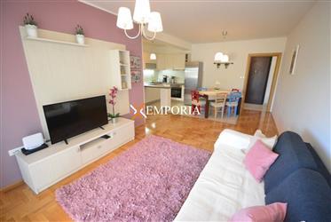 Prodaje se prekrasan apartman u Svetom Filip i Jakovu, svega 100 m od mora