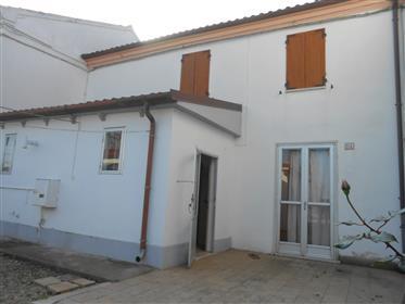 Villetta residenziale con garage