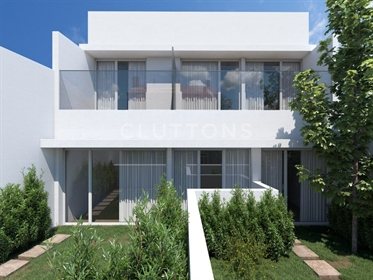 Townhouse for Investment in Port