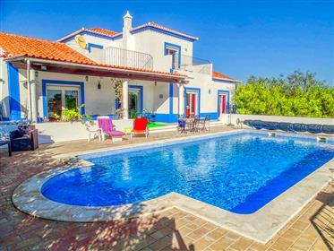 Maison 4 chambres avec piscine proche Olhão