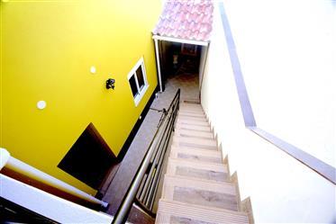 Faro, casa reformada com 2 quartos