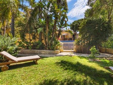 Villa 4+1 chambres avec piscine a 7 minutes de la plage - Almancil
