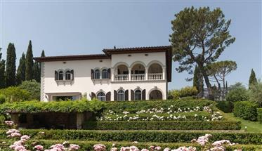 Stunning early 20th-century villa in Florence