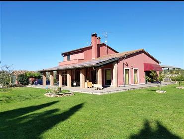 Una villa recentemente ristrutturata nella campagna di Roccastrada (Gr)