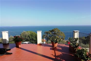 Recientemente, cerca del mar y Villa con impresionantes vistas al mar