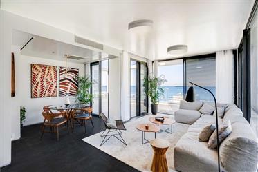 Penthouse exclusif en bord de mer