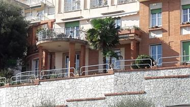 Ampia casa con giardino, Arenzano centro, bibox,