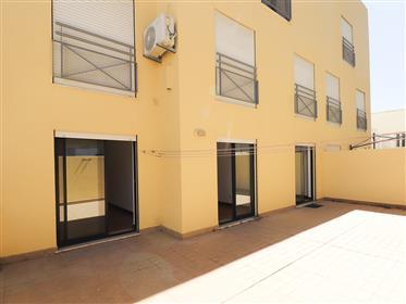 T3 centro de Faro, com terraço e garagem
