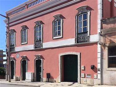Moradia T3 Com Vista Mar - Centro De Loulé