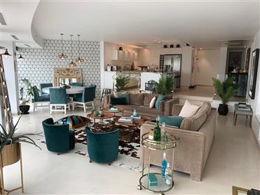 Apartment: 142 m²
