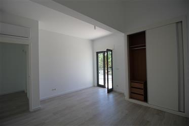 Moradia isolada, 3 suites, Cond. Palmela Village