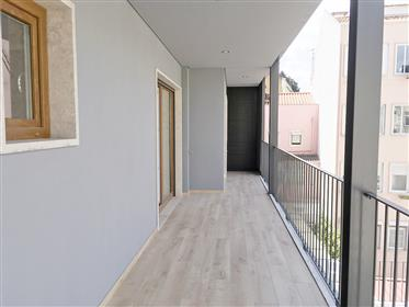 3 bedroom apartment in Lapa, Lisbon, with balcony