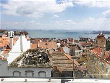 2 bedroom apartment in Lapa, Lisbon