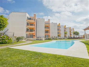 Apartamento T2 em Mafra com piscina e parqueamento