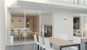 5 bedroom apartment with private elevator, garden and pool, in Lapa, Lisbon