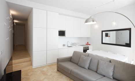 This wonderful 3 bedroom apartment is located in the historic center of Lisbon. The proper...