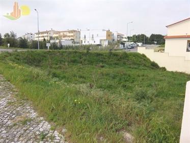 3 Lotes de terrenos urbanos para construção em lavos