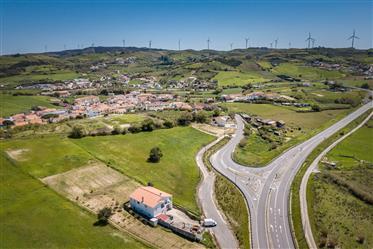 Terreno p/ serviços ou habitação com 7.500 m2 em Pero Negro