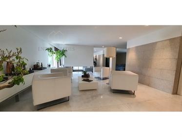 Villa de luxe de 4 chambres avec piscine, jardins et verger ...
