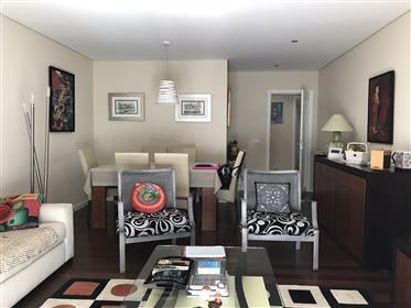 Bel appartement de 2 chambres dans le centre de Matosinhos, Av. Da Republica