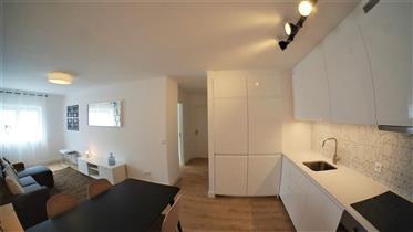 Apartamento T2 totalmente remodelado, equipado, mobilado e d...