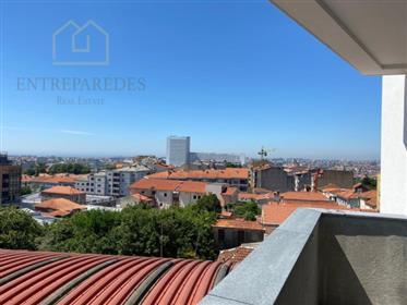 Lindo apartamento T1 localização privilegiada, Vila Nova de Gaia, com varanda.