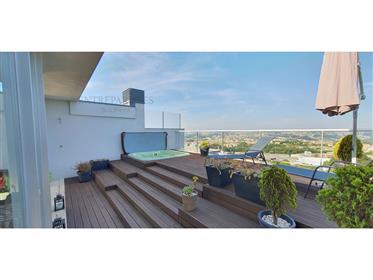 Excelente T4 duplex de Luxo na exclusiva Quinta de Cravel em Vila Nova de Gaia com umas vistas fabul